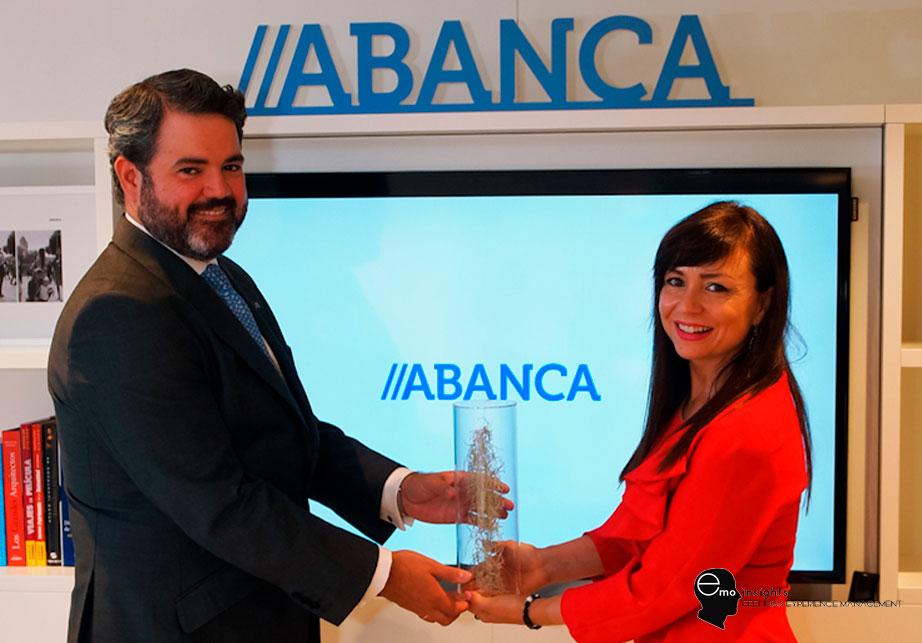ABANCA recibe el galardón EMOtional Friendly Bank por la mejor evolución en EMO Index® en el último año