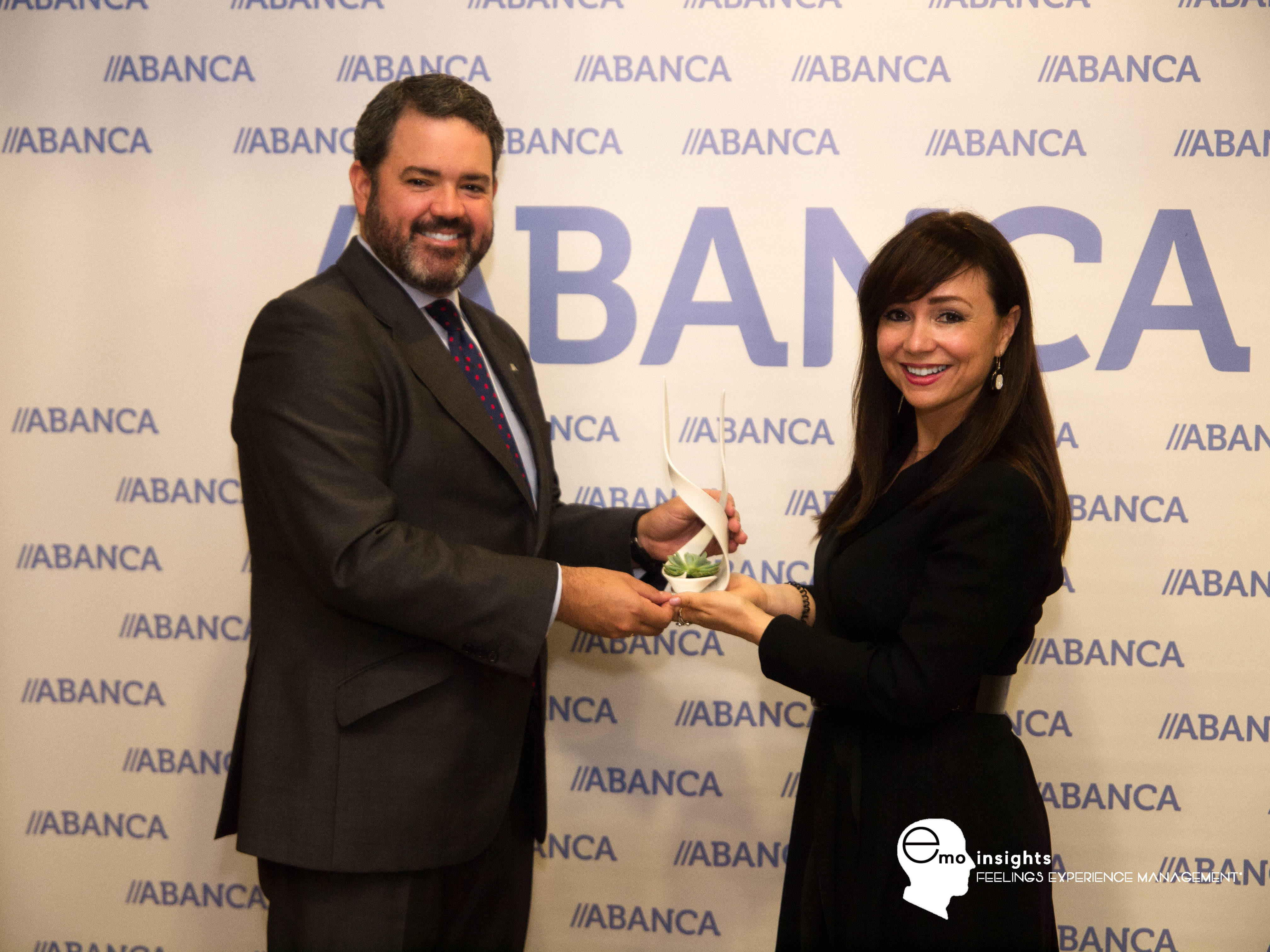 ABANCA recibe galardón EMOFriendly Bank